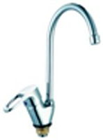 Смеситель Do.Corona для кухни бок. ручка с гибким изливом DK-4703B-748